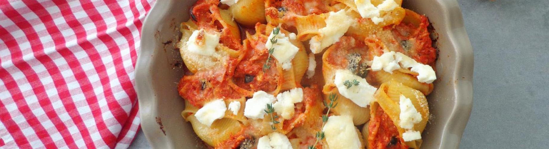 Фаршированные Конкилиони с сыром, фаршем и протёртыми томатами